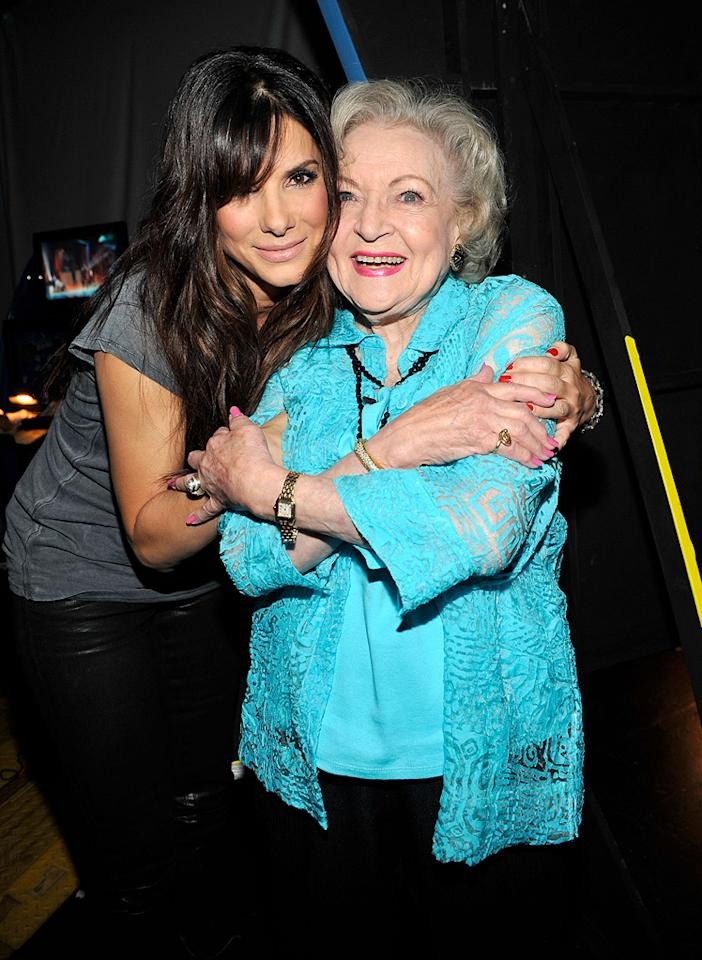 "<a href=""http://movies.yahoo.com/movie/contributor/1800018970"">Sandra Bullock</a> and <a href=""http://movies.yahoo.com/movie/contributor/1800022900"">Betty White</a> at the 2010 Teen Choice Awards at Gibson Amphitheatre on August 8, 2010 in Universal City, California."