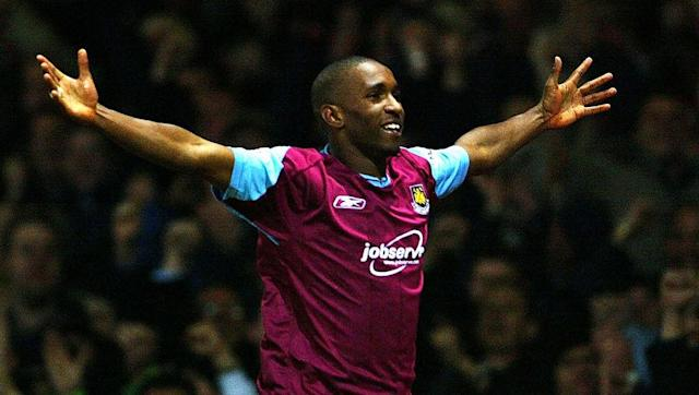 <p><strong>Minutes per goal ratio: 192.64</strong></p> <p><strong>Goals scored as a teenager: 11</strong></p> <br><p>It wouldn't have taken a genius to forecast that Jermain Defoe would eventually become the 7th highest goalscorer in Premier League history, after the pocket-sized striker showcased his finishing abilities as a teenager with West Ham.</p> <br><p>The future Spurs, Portsmouth and Sunderland man scored the majority of his teenage goals during the 2001/02 season, by which time everyone was already aware of the huge potential that Defoe possessed. </p>