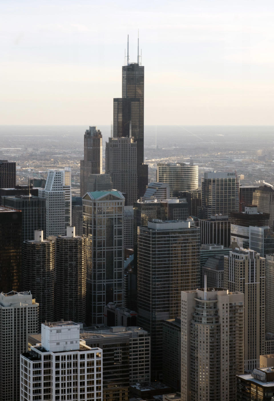 United Airlines is giving up some 150,000 square feet at Willis Tower in Chicago, the third tallest building in the country. (David Kasnic/The New York Times)