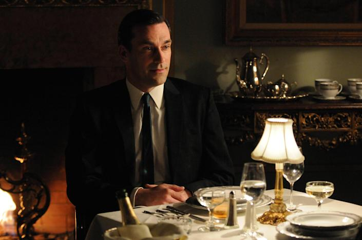 "<h1 class=""title"">Jon Hamm ""Mad Men"" 2010 (Season 4)</h1> <div class=""caption""> If you love midcentury-modern style, you're sure to find inspiration in the early-1960s world of <em>Mad Men.</em> </div> <cite class=""credit"">Photo: PictureLux / The Hollywood Archive / Alamy Stock Photo</cite>"