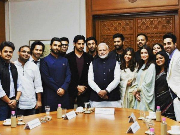 <p>Bollywood stars meet PM Modi in New Delhi </p>