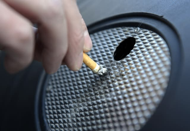 6,000 non-smokers die of lung cancer every year, warn Public Health England