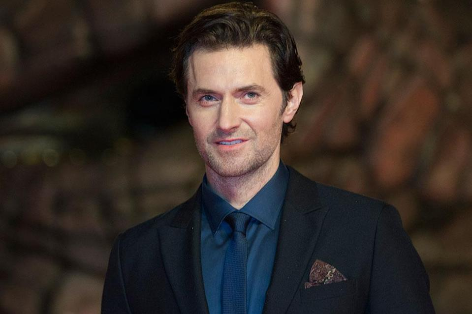 Richard Armitage The 'Hobbit' veteran at 6'2″ with black hair certainly has the traditional 007 tall, dark and handsome look down. A likely candidate in many respects, although the fact that he's already well into his forties might again rule him out.