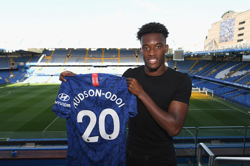 LONDON, ENGLAND - SEPTEMBER 19: Callum Hudson-Odoi of Chelsea signs a new 5 year contract at Stamford Bridge on September 19, 2019 in London, England. (Photo by Darren Walsh/Chelsea FC via Getty Images)