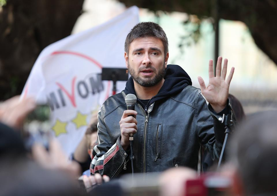 Alessandro Di Battista, leader of 5-Star Movement (M5S), takes part at the presentation of movement's parliamentary candidates for the upcoming general election, on February 21, 2018 in Messina, Italy. The Italian General Election takes place on March 4th 2018. (Photo by Gabriele Maricchiolo/NurPhoto via Getty Images) (Photo: NurPhoto via Getty Images)