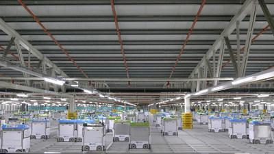 """Kroger and Ocado's new customer fulfillment center – an automated warehouse facility with digital and robotic capabilities, also known as a """"shed"""". (PRNewsfoto/The Kroger Co.)"""