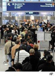 Long line at O'Hare Airport