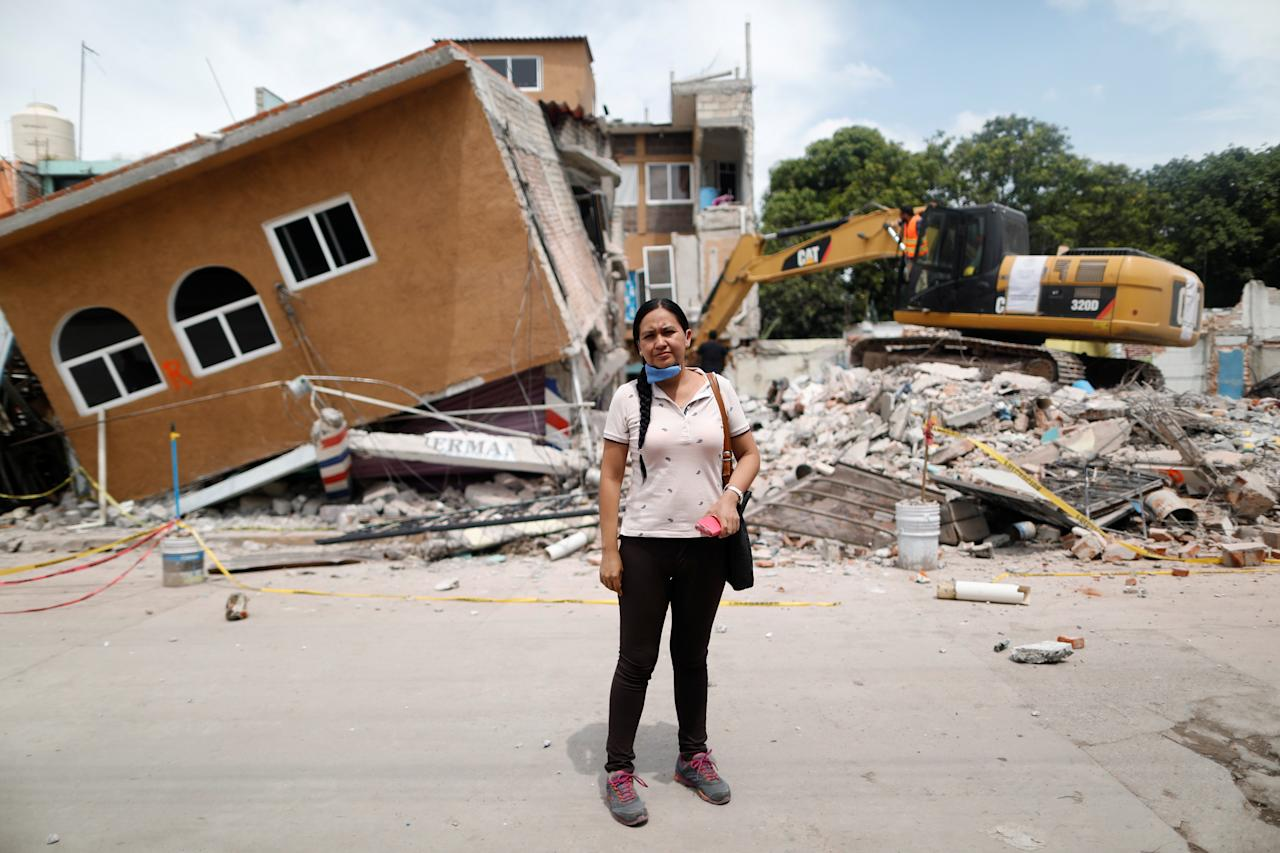 "<p>Ana Maria Hernandez, 37, a clothing salesperson, poses for a portrait outside her house as it is demolished after an earthquake in Jojutla de Juarez, Mexico, September 30, 2017. Her house was badly damaged. Hernandez is living with relatives and hopes to return home once it is rebuilt. ""I lost everything. My aunt died here,"" she said. (Photo: Edgard Garrido/Reuters) </p>"