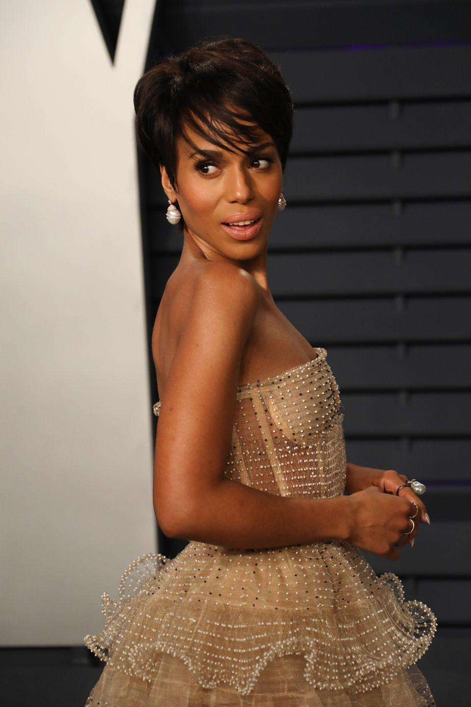 <p>Kerry Washington walked the red carpet at the 2019 Vanity Fair Oscars party wearing a gorgeous side-swept pixie cut with face-framing layers. </p>