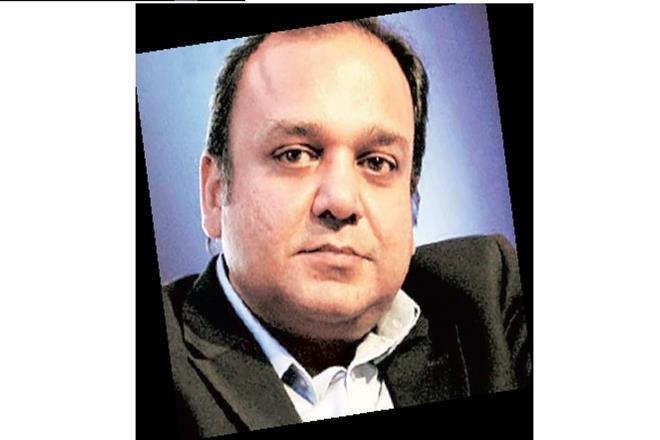 Punit Goenka, CEO of Zee Entertainment Enterprises, ZEEL, Essel Media Ventures Limited, Essel Group, Subhash Chandra, shares of ZEEL