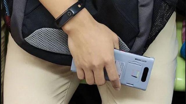 Speculated Huawei Mate 30 Pro spotted in the wild. Image: GizmoChina