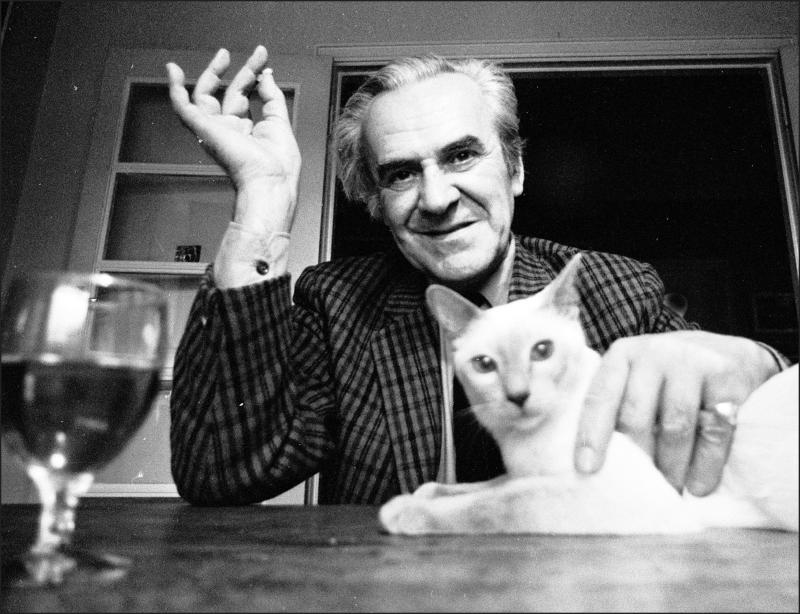 British actor John Le Mesurier with his cat, 1971. (Photo by Michael Ward/Getty Images)