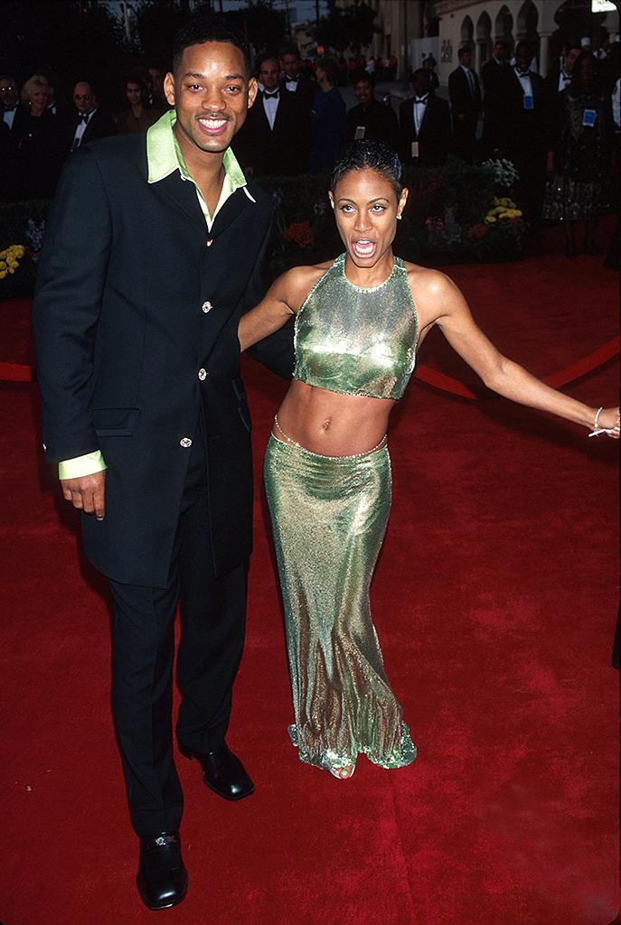 <p>The 'Men in Black' star was a presenter at the ceremony. He and Jada married later that year. (Photo: Kevin Mazur/WireImage) </p>