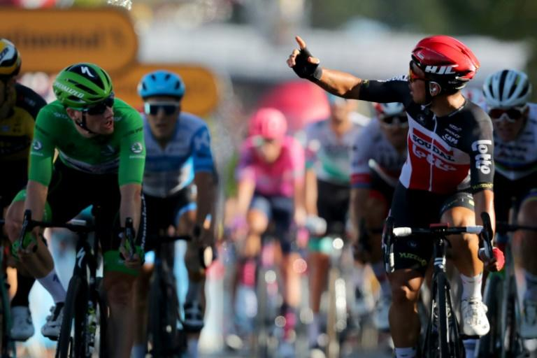 Aussie Ewan beats 'best mate' Bennett to Tour 11th stage