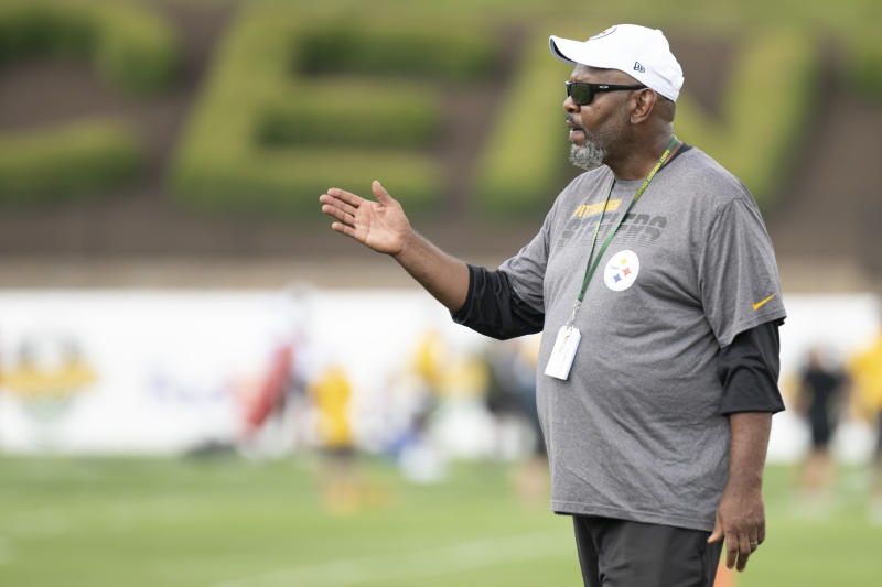 Steelers receivers coach Darryl Drake dies at 62