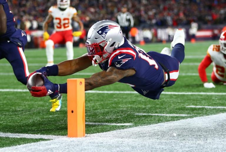 New England receiver N'Keal Harry is denied a touchdown after wrongly being ruled out of bounds in the Patriots loss to the Chiefs (AFP Photo/Adam Glanzman)