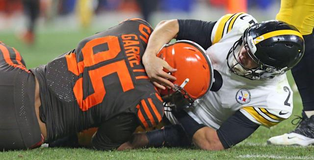 Replay shows that Steelers QB Rudolph instigated the fight with Miles Garrett