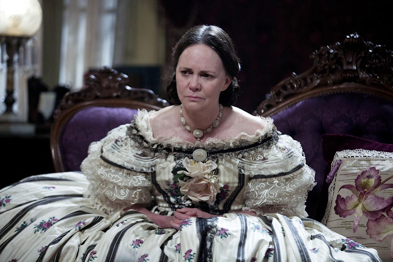 """With the help of high-calorie bars and smoothies, Sally Field gained 25 pounds to play Mary Todd Lincoln in the award show darling """"Lincoln."""" """"I had put on so much weight, and he had lost so much weight,"""" she said."""