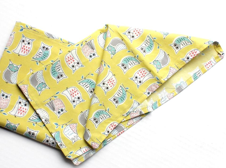 """<p>The home decor lover in your circle will delight in displaying these cute <span>""""PersonaGrataGoods Owls Organic Cotton Napkins</span> ($22).</p>"""