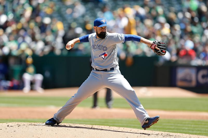 OAKLAND, CA - APRIL 20: Matt Shoemaker #34 of the Toronto Blue Jays pitches in the bottom of the second inning against the Oakland Athletics at Oakland-Alameda County Coliseum on April 20, 2019 in Oakland, California. (Photo by Lachlan Cunningham/Getty Images)