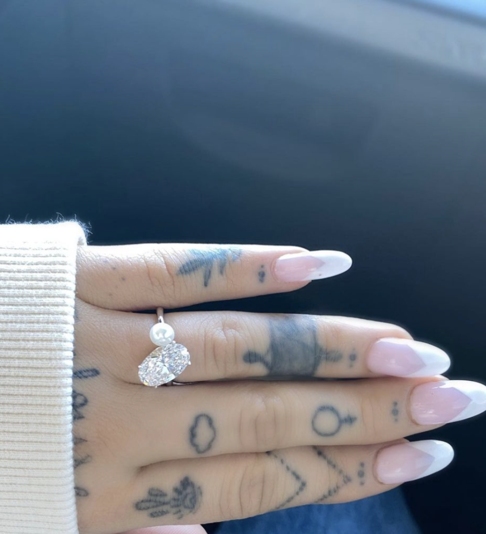 Ariana Grande is engaged to Dalton Gomez. (Photo: Instagram)