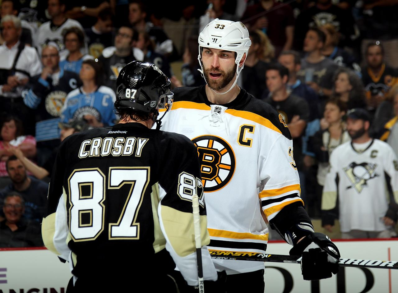 PITTSBURGH, PA - JUNE 01: Sidney Crosby #87 of the Pittsburgh Penguins and Zdeno Chara #33 of the Boston Bruins exchange words near the end of the second period during Game One of the Eastern Conference Final of the 2013 NHL Stanley Cup Playoffs at the Consol Energy Center on June 1, 2013 in Pittsburgh, Pennsylvania. (Photo by Bruce Bennett/Getty Images)