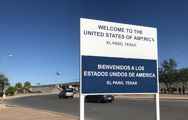Welcome sign greets visitors from Mexico to El Paso Texas