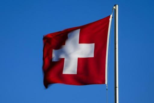 Swiss canton rules no handshake exemption for Muslim pupils