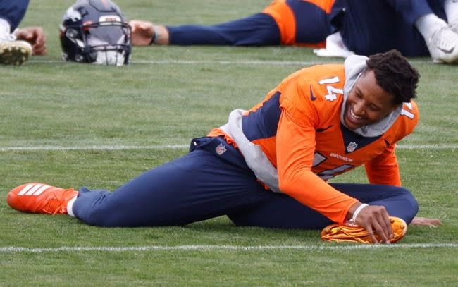 Broncos top receiver Sutton inactive with shoulder injury