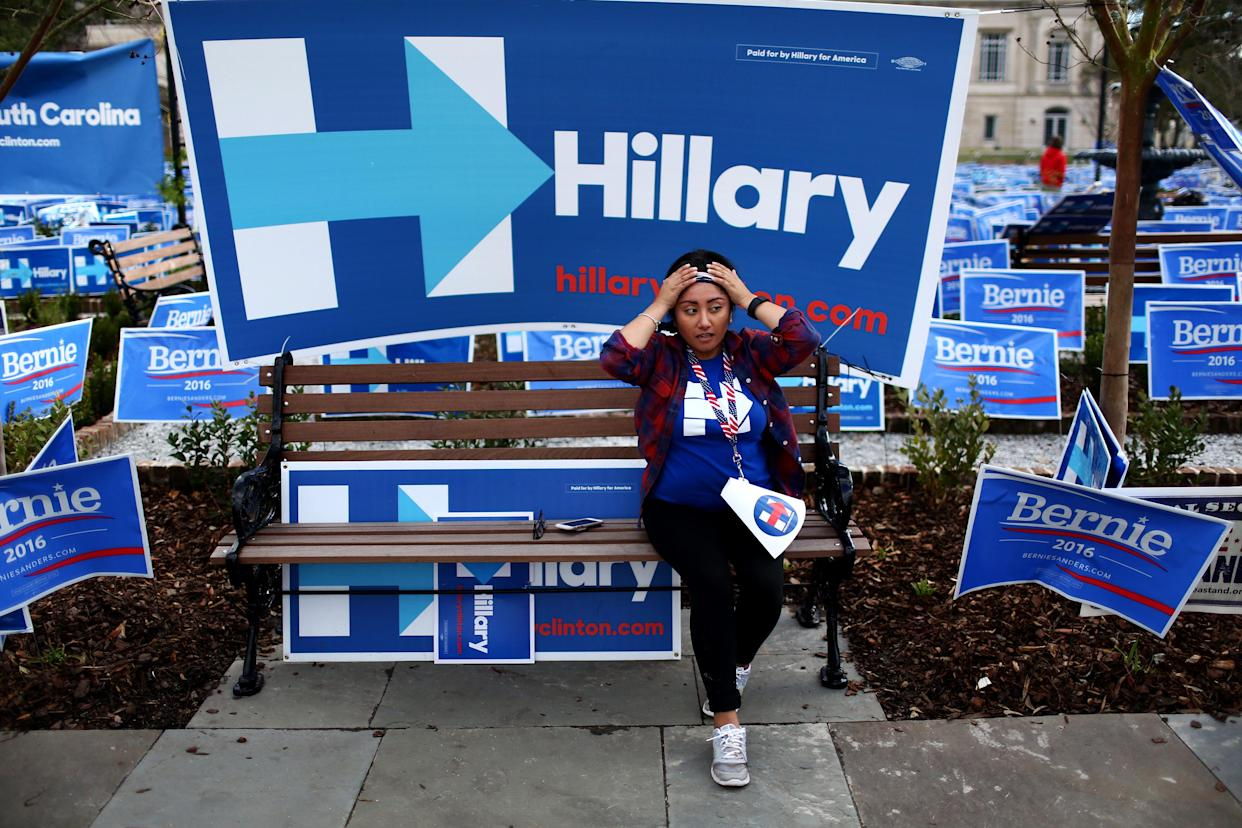 Campaign signs for Bernie Sanders and Hillary Clinton outside the Gaillard Center, which will host the Democratic presidential debate, in Charleston, S.C., Jan. 17, 2016. (Travis Dove/The New York Times)