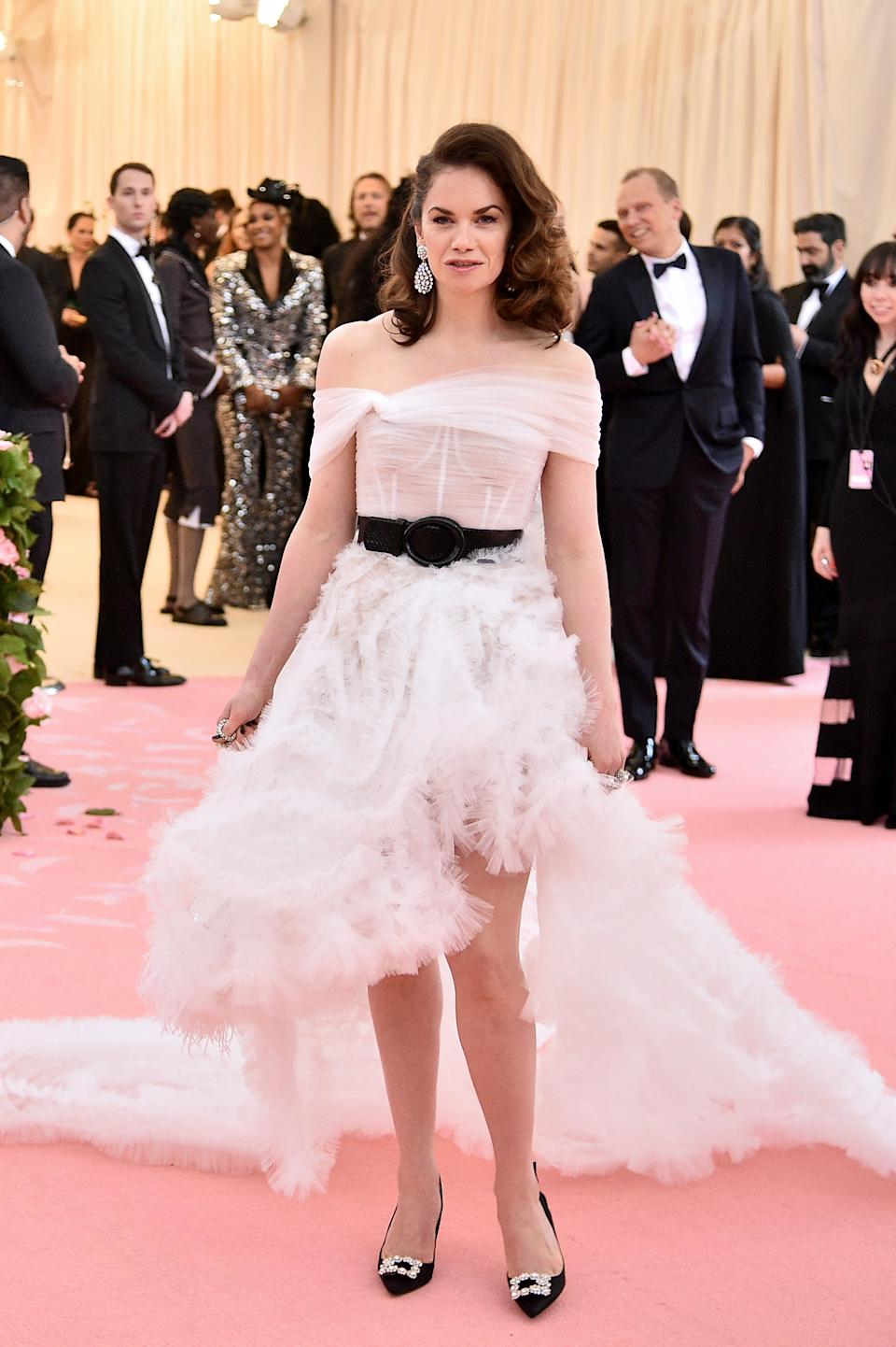 """<h1 class=""""title"""">Ruth Wilson in Oscar de la Renta and Roger Vivier shoes wearing Colette jewelry</h1><cite class=""""credit"""">Photo: Getty Images</cite>"""