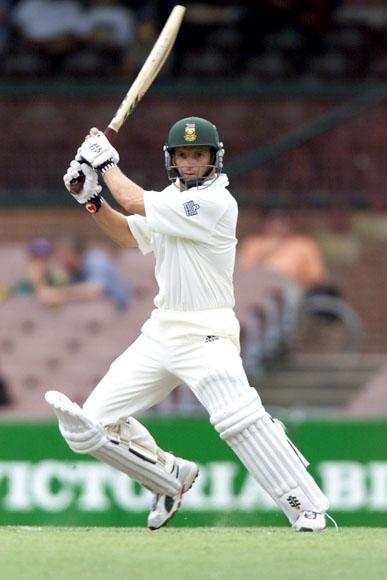 22 Dec 2001:  Gary Kirsten of South Africa cuts for 4 runs during the third day's play in the tour match between South Africa and New South Wales being played at the Sydney Cricket Ground, Sydney, Australia.  DIGITAL IMAGE. Mandatory Credit: Nick Wilson/Getty Images