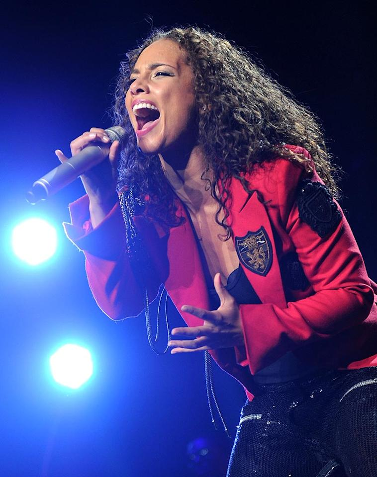 "R&B songstress Alicia Keys belts out her latest hit, ""Try Sleeping with a Broken Heart,"" during a concert stop at Madison Square Garden in NYC. Jason Kempin/<a href=""http://www.gettyimages.com/"" target=""new"">GettyImages.com</a> - March 17, 2010"