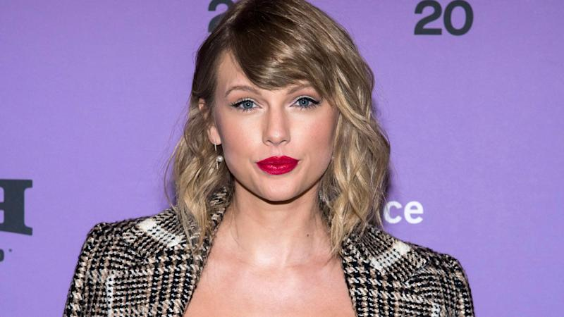 Um, Taylor Swift Just Included Ex Harry Styles & Arch Nemesis Justin Bieber in Her DJ Set