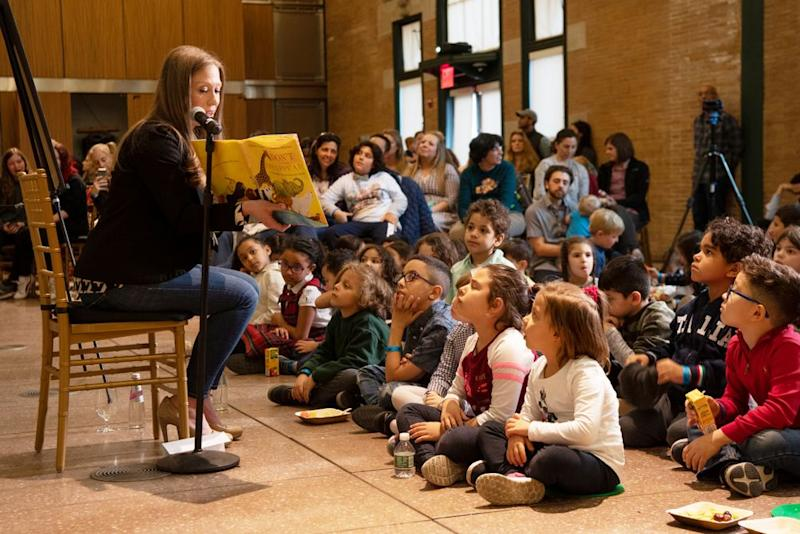 Chelsea Clinton during a reading at the Bronx Zoo | Julie Larsen Maher ©WCS