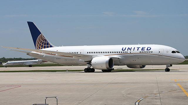 Boeing Co. 787 Dreamliner Emergency Landing in Houston No Deterrent to Orders Yet