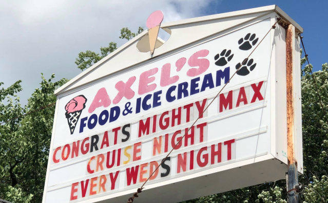 Axel's Food & Ice Cream hosted an ice cream party to celebrate an 8-year-boy's last radiation treatment. (Photo: Axel's Food & Ice Cream via Facebook)