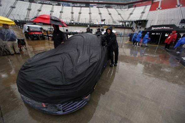 Kurt Busch wrecks in final Bristol practice