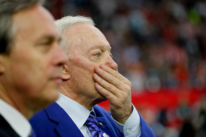Jerry Jones wants to know why there's a rush to extend the contract of NFL commissioner Roger Goodell. (Getty Images)