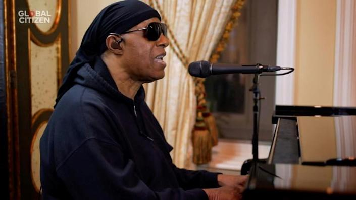 """Stevie Wonder performs during """"One World: Together At Home"""" presented by Global Citizen, a special event celebrating health care workers battling coronavirus (AFP Photo/GETTY IMAGES)"""