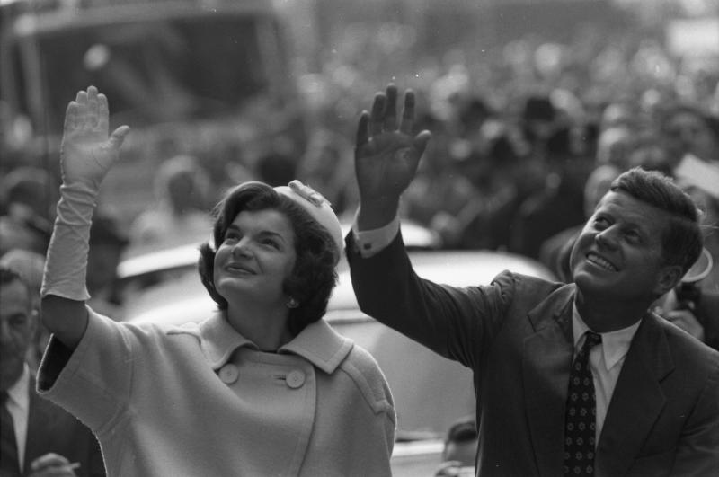 First couple Jackie Kennedy and Robert Kennedy, pictured in 1960. (Photo: Getty Images)