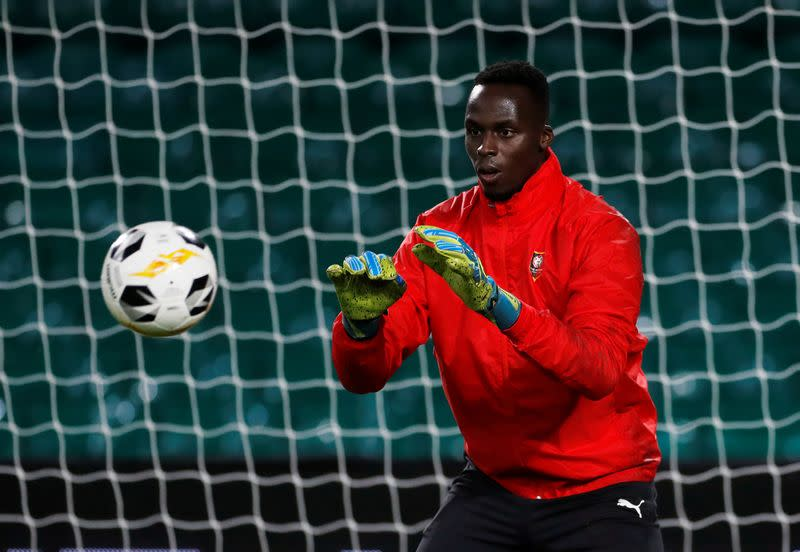Chelsea sign Rennes goalkeeper Mendy on five-year deal