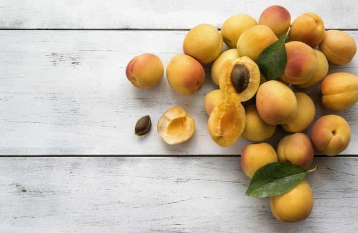 Eating figs and apricots in the morning boosts the metabolism.