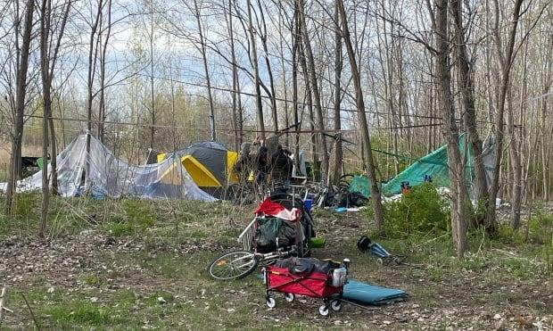 The 20 or so campers were served an eviction notice by Quebec's Ministry of Transport last week.
