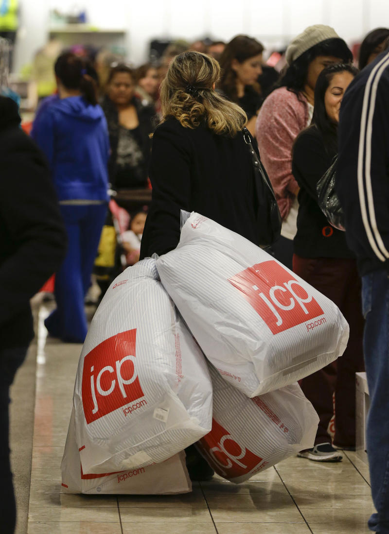 JC Penney posts 4th straight big loss, sales drop
