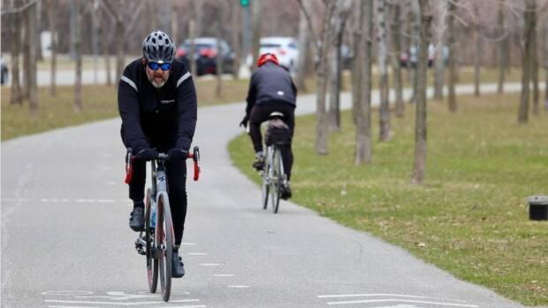 Montreal police and Vélo Québec are warning cyclists to be weary of thefts this summer.  (Carl Boivin/Radio-Canada - image credit)