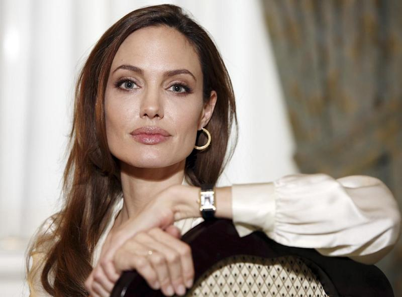 Angelina Jolie says she had double mastectomy