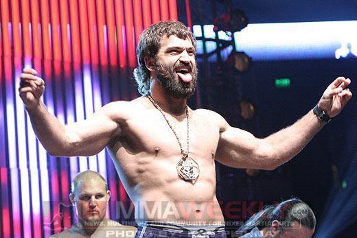 "Andrei Arlovski doesn't buy the ""glass jaw"" talk (MMA Weekly)"