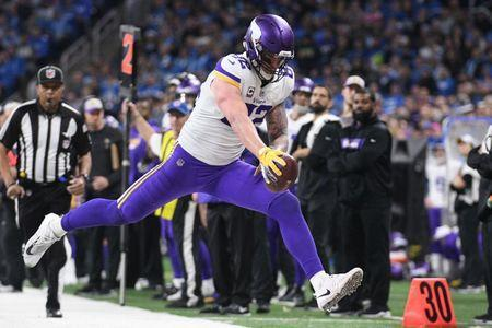 FILE PHOTO: Dec 23, 2018; Detroit, MI, USA; Minnesota Vikings tight end Kyle Rudolph (82) reaches for a first down during the second half against the Detroit Lions at Ford Field. Mandatory Credit: Tim Fuller-USA TODAY Sports