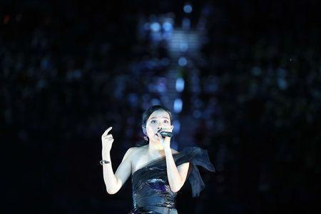 Gold Coast 2018 Commonwealth Games - Closing ceremony - Carrara Stadium - Gold Coast, Australia - April 15, 2018 - Singer Dami Im performs during the closing ceremony. REUTERS/Athit Perawongmetha